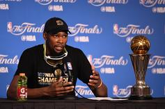 Kevin Durant Accused Of Using Secret Twitter Accounts