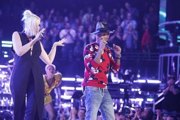 "Pharrell Performs ""Come Get It Bae"" On The Voice"