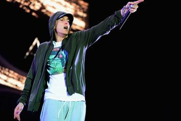 "Eminem Brings Out Rihanna And Royce Da 5'9"" At Lollapalooza"