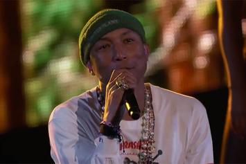 "Pharrell Performs ""Hunter"" Live On ""The Voice"""