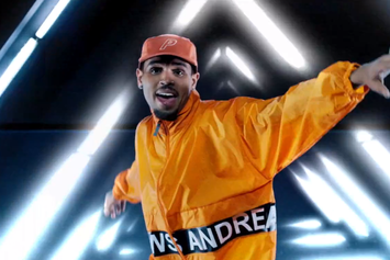 """Chris Brown Feat. Tayla Parx """"Anyway"""" Video"""