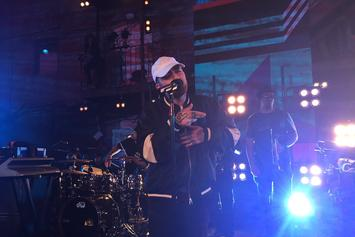 "Mac Miller Performs ""Dang!"" Live On MTV's ""Wonderland"""