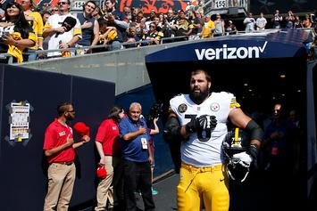 Steelers Players React To Teammate Standing During Anthem Protest