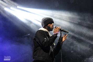 """6LACK Performs """"PRBLMS"""" On Corden & Is Interviewed By Zane Lowe"""