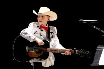 Yodeling Kid Mason Ramsey Debut Single Gained 600K Streams On First Day