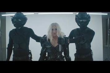 "Christina Aguilera & Demi Lovato Unveil ""Fall In Line"" Video"