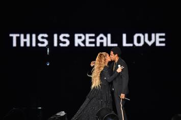 "Jay-Z & Beyonce Debut Intimate Photos In ""On The Run II"" Tour Book"
