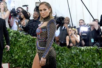 Jennifer Lopez To Receive VMAs' Michael Jackson Video Vanguard Award