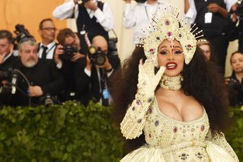 "Cardi B Chills With Kim Kardashian & Kris Jenner: ""Rich People Club"""