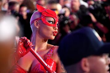 """Amber Rose Invites Fans To Call & Text Her: """"Wishing I Had Someone To Talk To"""""""