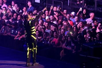 """Drake & Migos Tour: Cop At Houston Concert Caught Snapping """"Booty Pics"""""""