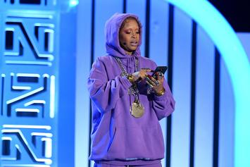 "Erykah Badu Responds To Pregnancy Rumors: ""Ain't Nobody Shoot Up The Club"""
