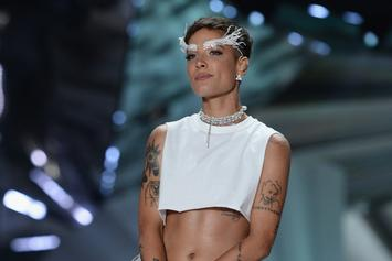 """Halsey Crops The Top At Her Performance For """"The Voice"""" Finale"""