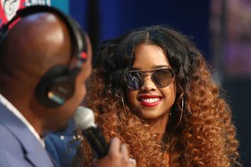 "H.E.R. Plays The Bass, Guitar & Piano In ""The Late Late Show"" Performance"