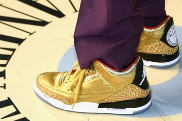 "Spike Lee Debuts Gold ""Oscars"" Air Jordan 3 PE"