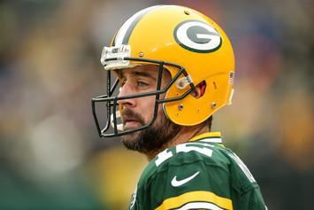 "Aaron Rodgers Calls Negative Story A ""Smear Attack"" From ""Bitter Players"""