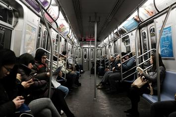 A Thanksgiving Feast On The New York Subway Is Seriously Grossing People Out
