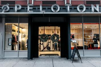 Guy From Peloton Ad Gets Real Life Girlfriend A Peloton For Christmas