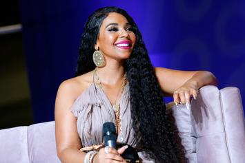 """Ashanti Shows Off Her Curves & Reminds Us She's All Natural: """"No Fillers"""""""