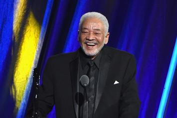 """Lean On Me"" Singer Bill Withers Dies At 81"