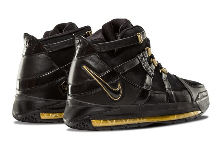 Black/Gold LeBron 3